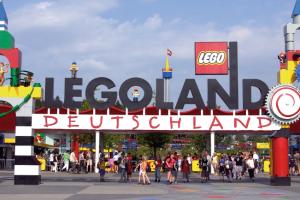 Eingangsbereich (c) Legoland Deutschland