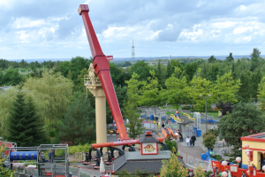 """Flying Ninjago"" der Sky Fly der Firma Gerstlauer Rides (c) Christopher Hippe / ThemePark Central"