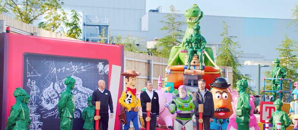 (c) Shanghai Disneyland
