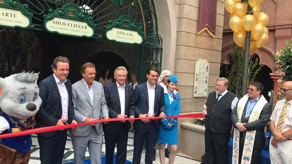 Familie Mack bei der Eröffnung (c) Dennis Vitt/ThemePark Central