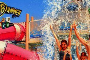 (c) Parque Warner Beach