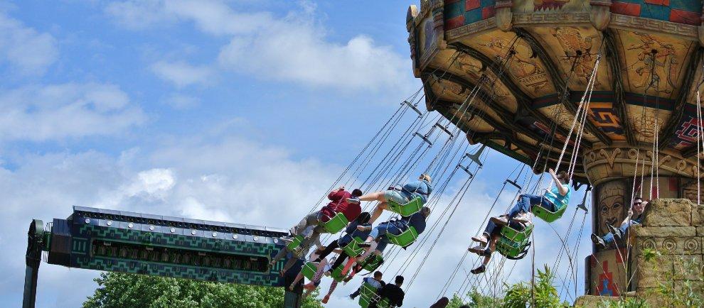 """Aqua Spin"" und ""La Ola"" im Heide Park Resort (c) Christopher Hippe / ThemePark Central"