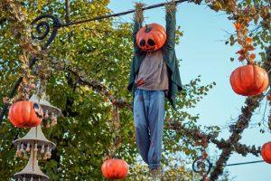 Der ganze Park ist zu Halloween besonders toll geschmückt (c) Tivoli Gardens