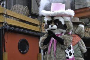 """Parkmaskottchen """"Rosie"""" freut sich auf die Besucher des Attractiepark Slagharen (c) Christopher Hippe/ThemePark Central"""