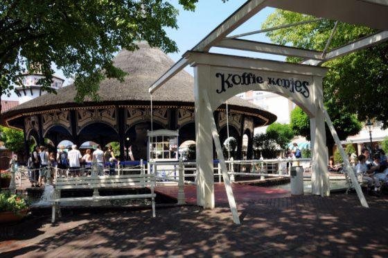 """""""Koffie Kopjes"""" im Niederländischen Themenbereich des Europa-Park (c) Maik Rimpl / ThemePark Central"""