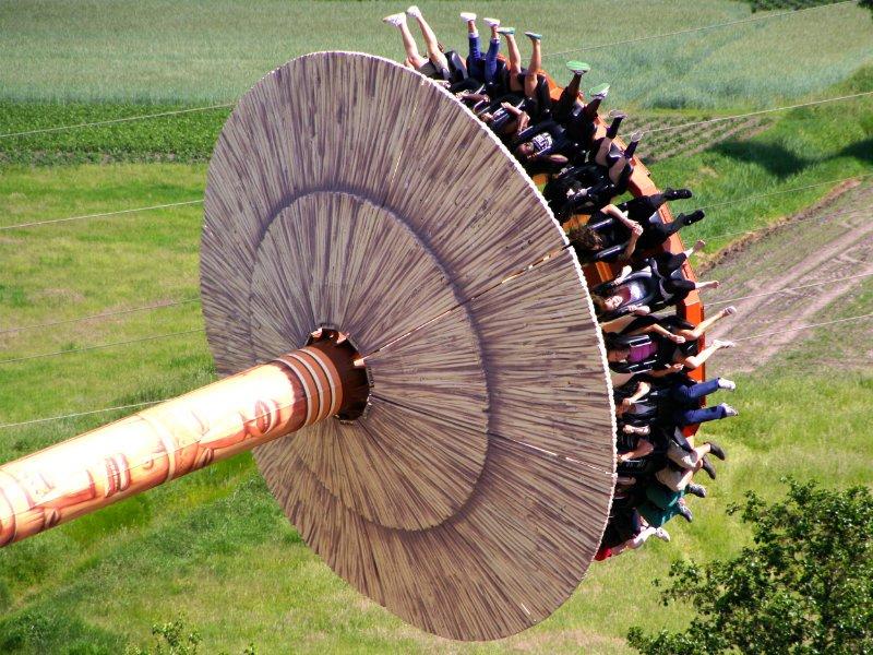 """Hoch hinaus im """"Kumba Twister"""" (c) Serengeti Park"""