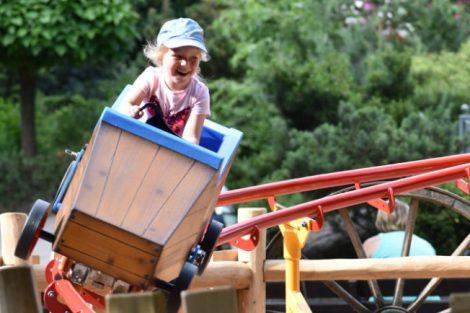 """Die Kinderachterbahn """"Hilly Billy"""" (c) Tier- und Freizeitpark Thüle"""