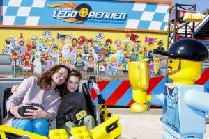 Natalia Wörner hat die neue VR Achterbahn bereits getestet. Wann kommst du in den Park? (c) Legoland Deutschland