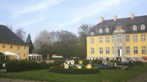 (c) Schloss Beck