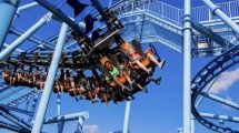 "Die Familienachterbahn ""Flying School"" (c) Legoland Florida"