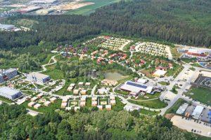 Ein Blick auf das gesamte Feriendorf (c) Legoland Deutschland