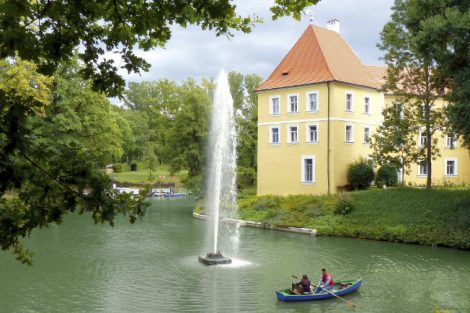 (c) Schloss Thurn