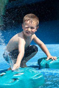 """Rund um die """"Litill Island – Hansgrohe Kinderwasserwelt"""" im Isländischen Themenbereich des Europa-Park heißt es am 21. Juli 2018 """"Wasser marsch!"""" ©Europa-Park Resort"""
