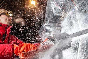 Schweres Gerät bei den Arbeiten zur 4. Eiswelt Elstal © Karls Erlebnis-Dorf