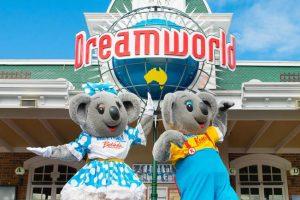 Kenny und Belinda begrüßen die Besucher © Dreamworld