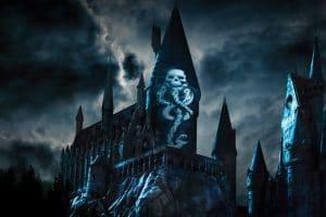 Lord Voldemort versucht Hogwarts zu stürzen © Universal