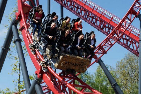 """Auch die geladenen Gäste sind von """"Dynamite"""" begeistert! © Mike Rimpl / ThemePark-Central.de"""