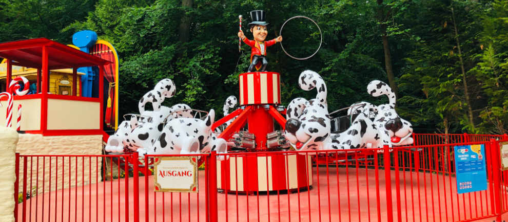 """Der """"Dalmatiner Zirkus"""" im Themenbereich """"Tante Rosi's Zuckerwatteland"""" © Taunus Wunderland"""