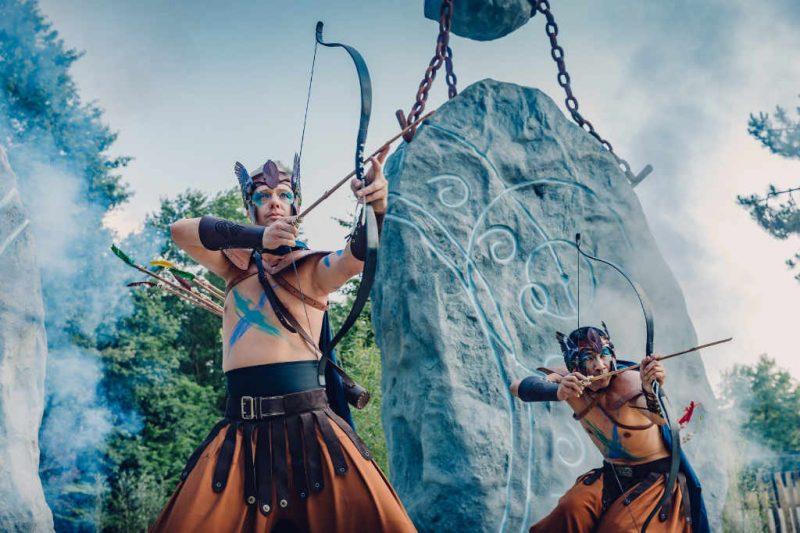 Die Bogenschützen halten das Böse fern © Bobbejaanland
