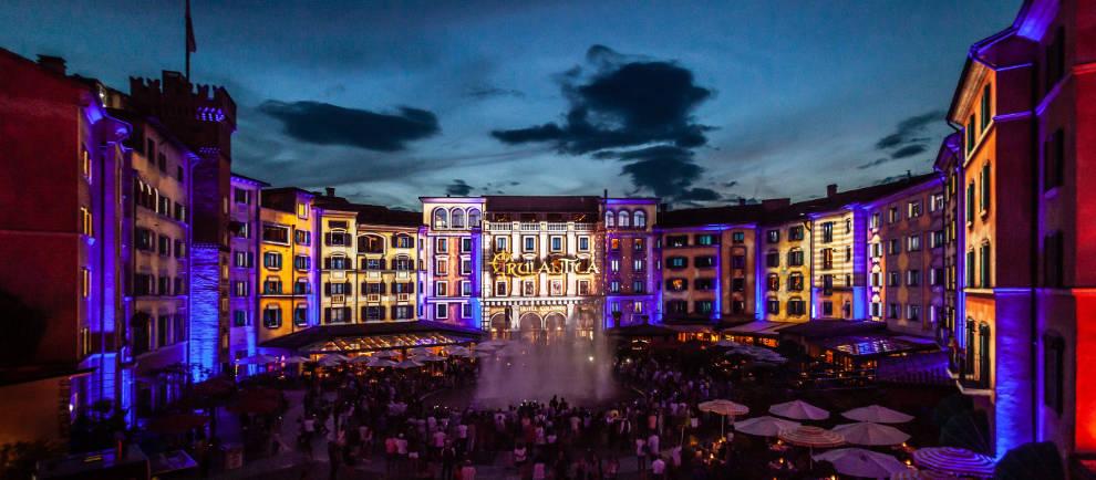 """Die Sommershow """"Colossal: il viaggio per Rulantica"""" begeistert die Zuschauer © Europa-Park Resort"""