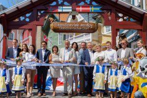 Die Europa-Park Inhaberfamilie Mack freut sich, gemeinsam mit den Gästen den Themenbereich Skandinavien nach nur 13 Monaten Bauzeit wiedereröffnen zu können. © Europa-Park Resort