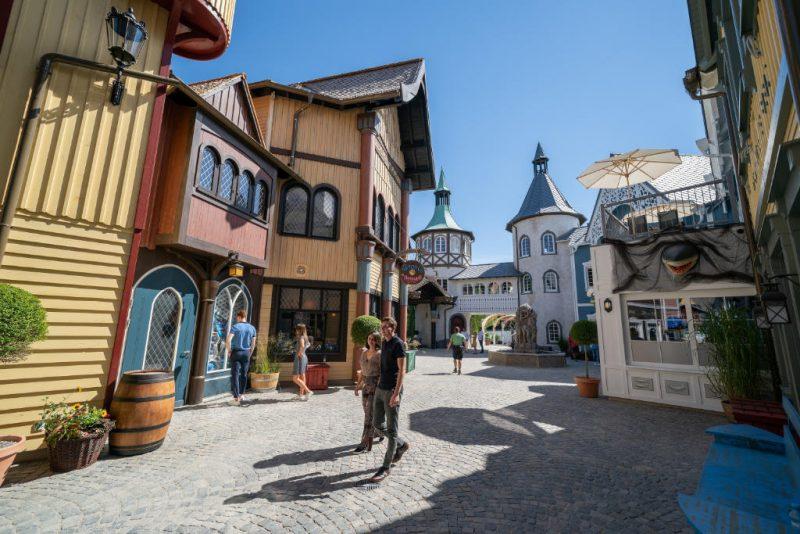 Der wiedereröffnete Themenbereich Skandinavien begeistert mit seinen bunten Häuserfassaden. © Europa-Park Resort