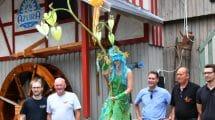 Christoph Wunderlich (Geschäftsführer/CEO bei Creative Amusement Factory GmbH), Guido Hudelmaier (Geschäftsführer Schwaben Park), Fiodea (Wasserlichtträgerin), Dr. Sigel (Landratsamt Rems-Murr-Kreis), Thomas Hudelmaier (Geschäftsführer Schwaben Park), André Hudelmaier (Park Manager Schwaben Park) ©Schwaben Park