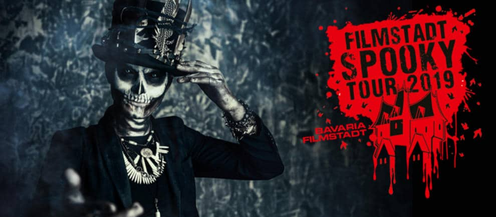 """Viel los bei der """"Filmstadt Spooky Tour 2019"""" © Bavaria Filmstadt"""
