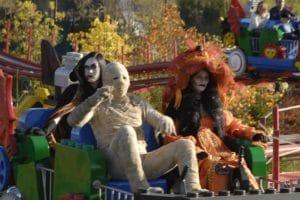 Vom 12.-31. Oktober übernehmen Mumien, Hexen und Vampire das LEGOLAND Deutschland Resort und sorgen für ein gespenstisch-schönes Halloween-Spektakel. © Legoland Deutschland Resort