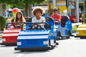 Wie in vielen Lego Freizeitparks auch, kann man im Legoland Windsor Resort seinen Führerschein machen. © Legoland Windsor Resort