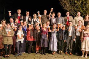 Die Nominierten und Sieger des Family Cups 2019 - darunter die Europa-Park Hoteldirektorin Michaela Doll-Lämmer (6.v.re. vorne) sowie ihr Stellvertreter Steffen Waldmann (4.v.li. hinten) © Europa-Park Resort
