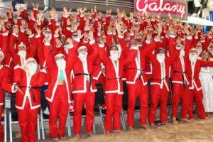 """Ein voller Erfolg in diesem Jahr! Das """"Nikolausrutschen"""" in der Therme Erding © Therme Erding"""