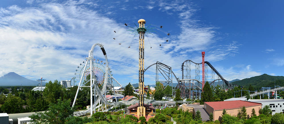 Ein tolles Achterbahn Panorama, bietet der japanische Freizeitpark. © Fuji-Q Highland