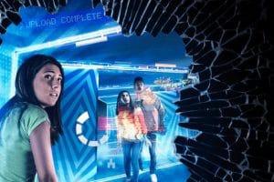 """Was ist Fiktion und was Realität? Finde es im """"Black Mirror Labyrinth"""" heraus! © Thorpe Park"""