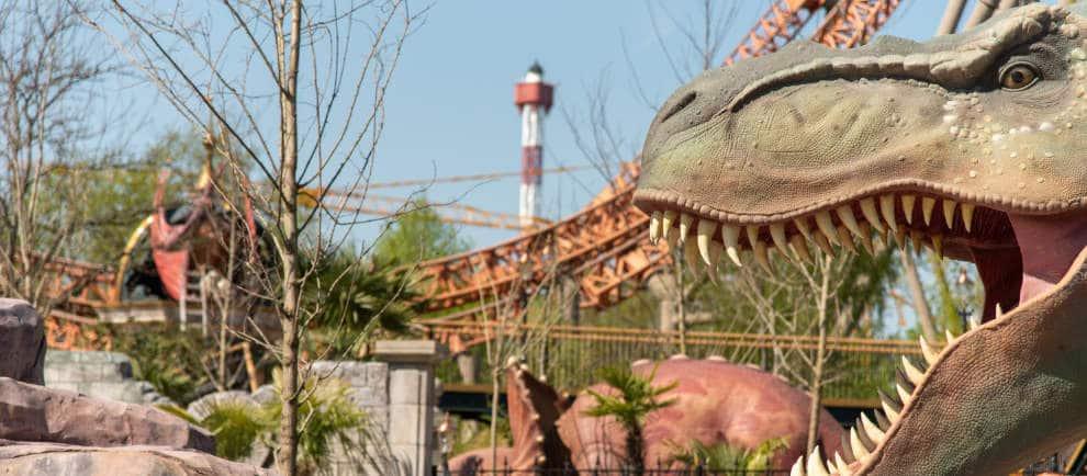 """Der Holiday Park Saisonstart 2020 rückt näher. Auch die neuen Dinosaurier beim """"Dino Splash"""" sind für die Eröffnung bereit."""