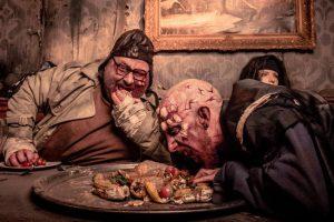 Bezaubernde Dinnershow oder doch die Horror Nights Traumatica? Man kann sich gar nicht so recht entscheiden. © Europa-Park Resort