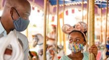 Auch mit Mundschutz ein magisches Erlebnis in der Walt Disney World © Disney