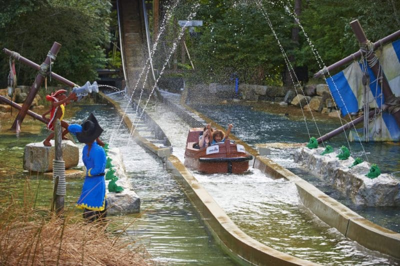 legoland windsor resort pirate falls