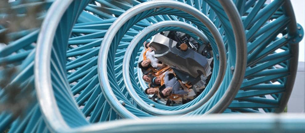 """""""Colossus"""" im Thorpe Park dreht die Gäste 10x auf den Kopf © Intamin"""