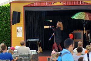 """Spaß und gute Laune auf der """"Kleine Weltbühne"""" © Wild- und Freizeitpark Klotten"""