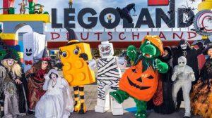 Vom 03. bis 31. Oktober treiben Hexen, Geister und Vampire während der Halloween Weeks ihr Unwesen im LEGOLAND Deutschland Resort. © Legoland Deutschland Resort