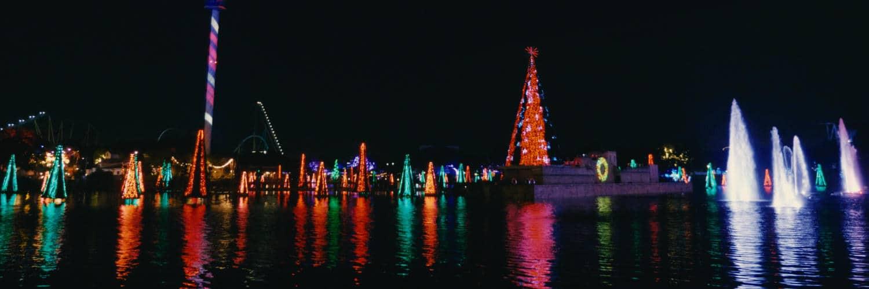 """Der Park ist zur """"Christmas Celebration"""" wundervoll in Szene gesetzt. © SeaWorld Orlando"""