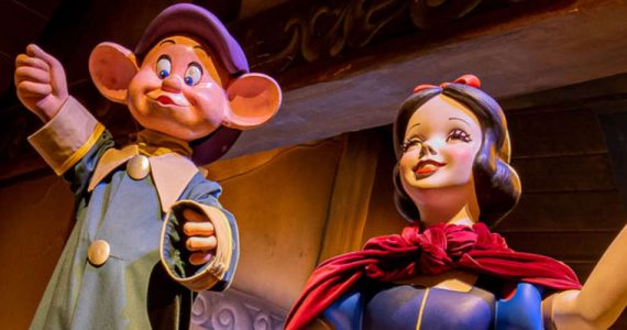"""Snow White's Enchanted Wish"" © Disneyland Resort"